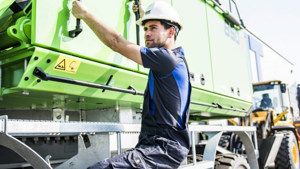 SMT Africa Service Machinery Trucks Sennebogen 850E Material Handler