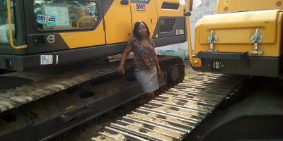 NJFB Not Just For Boys SMT Benin Volvo Contruction Equipment VCE EC210D Pelle hydraulique Excavator