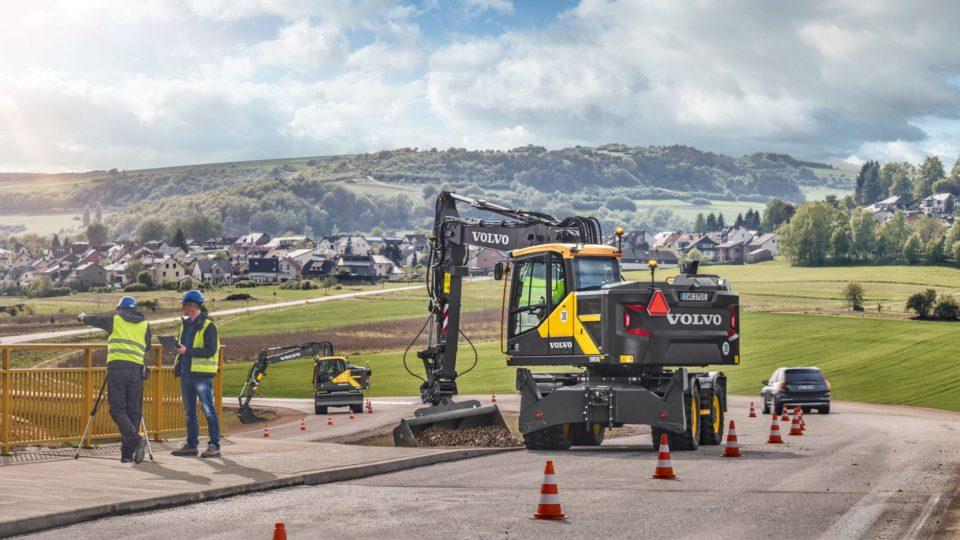 volvo show wheeled excavator ewr170e t4f 23241200