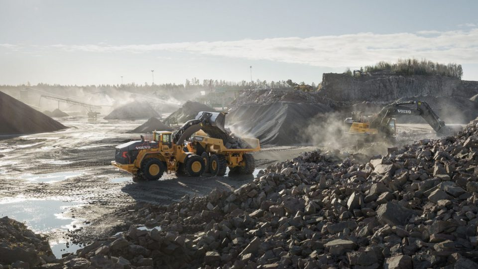 volvo benefits wheel loader l350h t3 t4f boost your productivity by up to 5 per cent 23241200