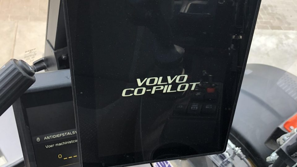 Dig Assist Volvo tablet