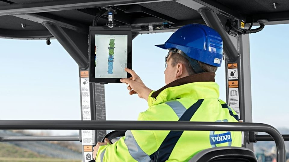 volvo show services control at your fingertips 23241200