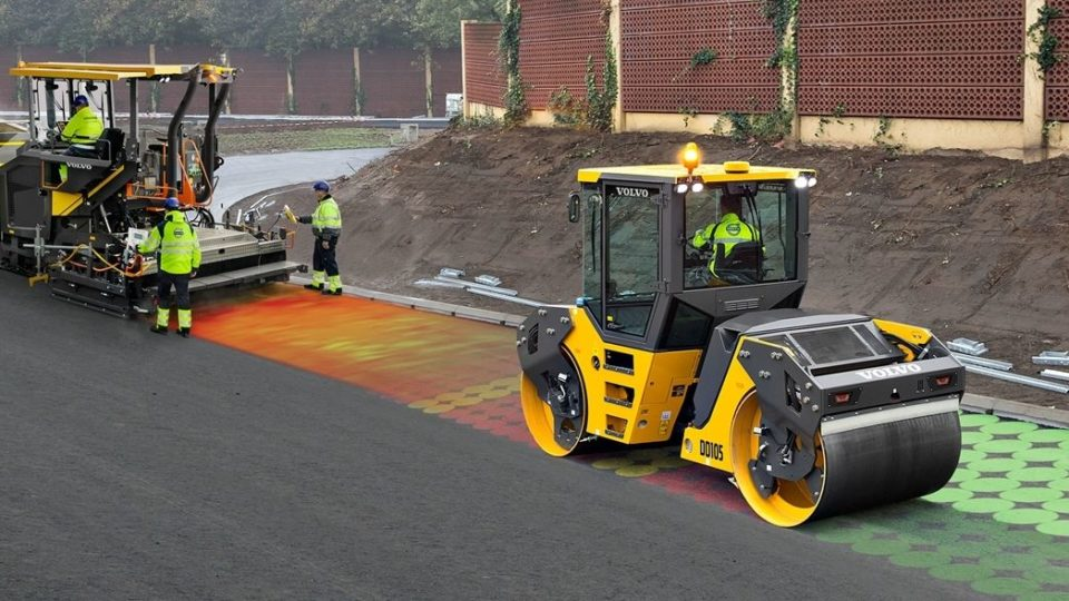 volvo show services making paving easy 23241200